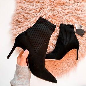 🆕Zara stiletto sock boots